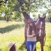девушки с лошадью :: Алена (Творческий псевдоним А-ля Moment)