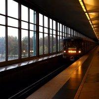 В метро. :: Валерий Гудков