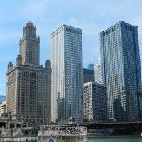 По зелёной реке в г.Чикаго (2) :: Юрий Поляков