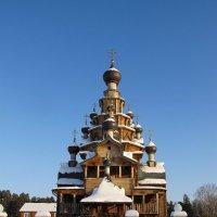 Храм в Верхней Санарке. :: Валентин Деев