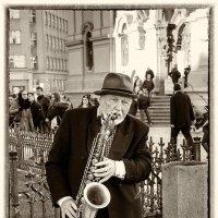 Old Sax :: Michael & Lydia Militinsky