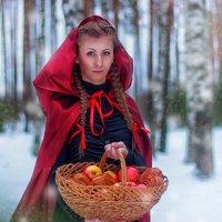 Красная Шапочка :: Елена Калараш