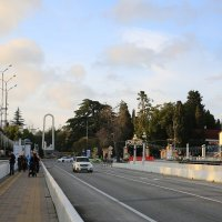 На Ривьерском мосту в Сочи :: valeriy khlopunov