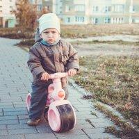 Юный байкер :: Дмитрий Шишкин