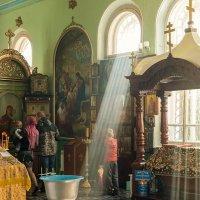 В храме :: Юлиана Кондратенко