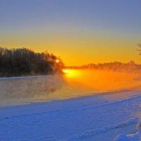 Зима. Солнце над Десной :: Дубовцев Евгений
