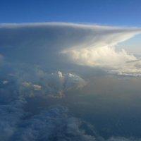 Грозовое облако в 30 км. :: Alexey YakovLev