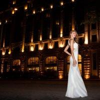 ночь, улица, фонарь, красивая девушка :: Арина Берестяк