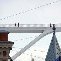 Мост над крышами :: Sergey