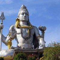 Самая большая статуя  Шивы в Индии (37 метров) :: Маргарита