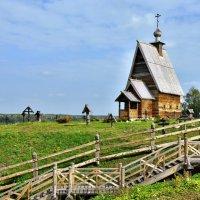 Деревянная церковь в Плёсе. :: АЛЕКСАНДР СУВОРОВ