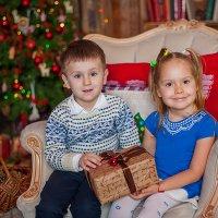 Новый год-время подарков и чудес... :: Кристина Волкова(Загальцева)