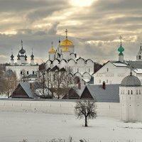 Город Суздаль, покровский монастырь :: Валерий Толмачев