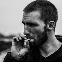 курение убивает :: Ежи Сваровский