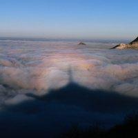 Радужный ореол лёг на туман. :: Nik Зонов