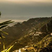 Море и берег в контровом свете :: Witalij Loewin