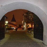 вход в монастырь :: Галина R...