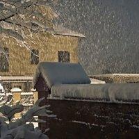 Вечер....тихо падает снег... :: владимир