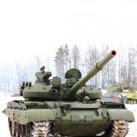 Динамический показ танка Т-62 :: Владимир