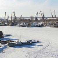 Замерзший катерок :: Олег Манаенков