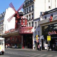Что-то  вспомнилась весна в Париже.... :: Лара ***