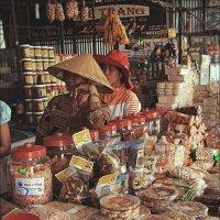 Вьетнамская лавка продуктов :: Ирина Лепнёва