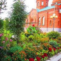 Во дворе храма. :: Татьяна ❧