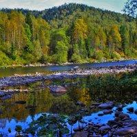Осенняя река :: Сергей Чиняев
