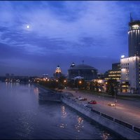Шлюзовая набережная ночью :: Василиса Никитина