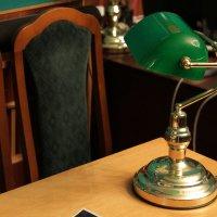 Зеленая лампа :: Людмила Волдыкова
