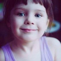 Лиза - маленький поваренок. :: Юлия