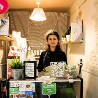 Хозяйка кафе :: Валерий Смирнов