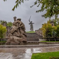 НА МАМАЕВОМ КУРГАНЕ ТИШИНА ... :: Владимир 1955 Железнов