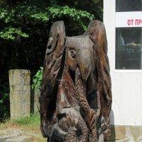 """Деревянная скульптура """"Слон со змеёй"""" :: Вера Щукина"""