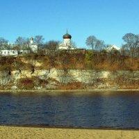 Снетогорский монастырь на берегу Великой во Пскове :: Leonid Tabakov