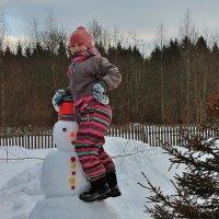 Любимый снеговик. :: Галина Pavlova