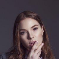 Женский портрет 4 :: Екатерина Зуева