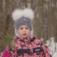 Маша в лесу в ожидании Мишки ))) :: Юля Колосова