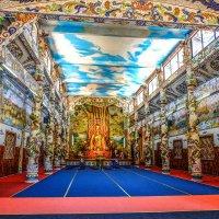 В буддийском храме Линь Фуок. Далат. Вьетнам. :: Rafael