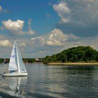 Прогулка под парусом на озере Химзее :: Надежда Лаптева