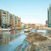 Весна на улице :: юрий Амосов