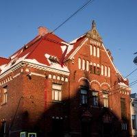 Тень старой башни :: Илья Киряков