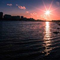 Закат над Москвой-рекой. :: Валерий Гудков