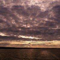 Закат над водохранилищем :: Сергей Тагиров