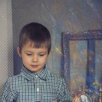 Мальчик с машинкой :: Ольга