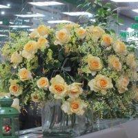 Большой букет из жёлтых роз :: Дмитрий Никитин