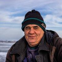 На зимней рыбалке. :: Павел Петрович Тодоров