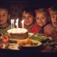 Угадайте, у какой девочки День рождения?))) :: Сергей