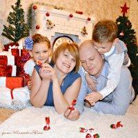 Новый год, семейный праздник! :: Юлия Шишаева