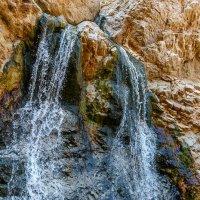 Водопад в районе Мертвого моря :: сергей cередовой